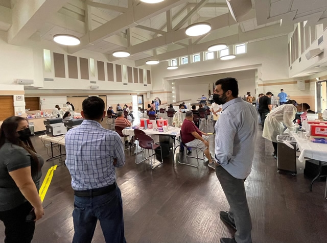 Speaker Rendon viewing vaccination clinic